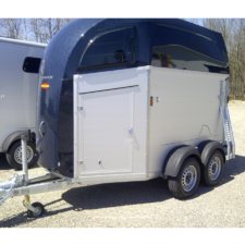 Aluminum Wall German Horse Trailer with Dark Blue roof